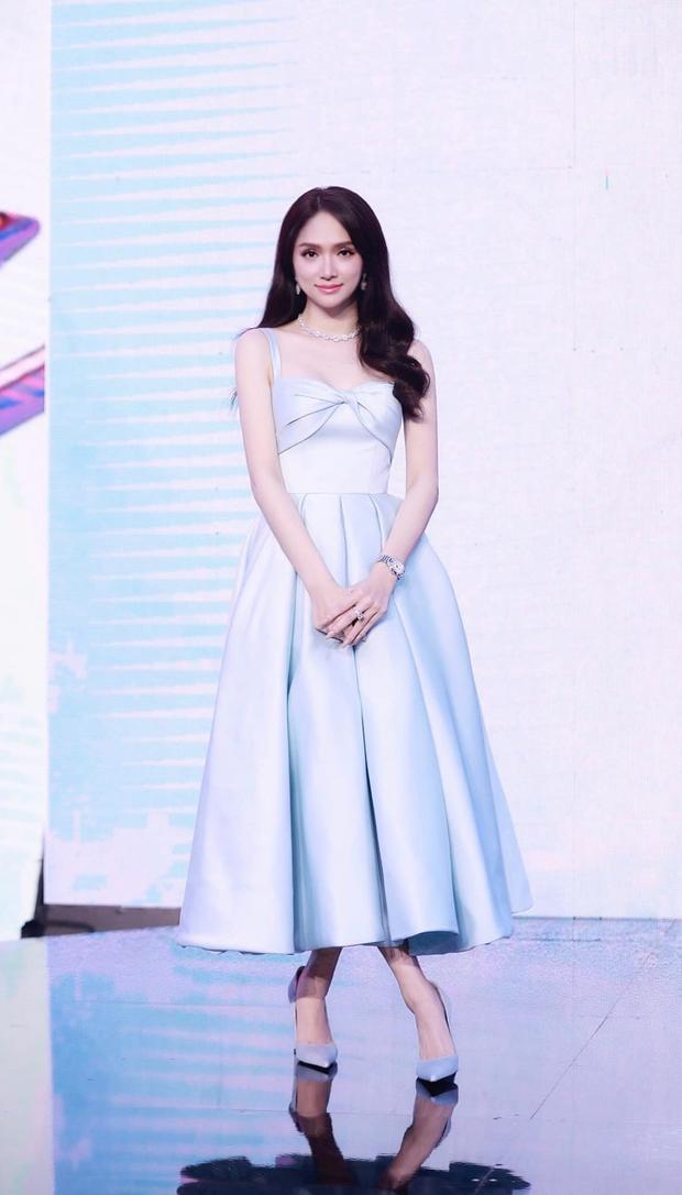 Lộ ảnh hiếm của Hương Giang tại sự kiện bị brand che mặt: Mặt hóp lại, body trơ xương đến mức stylist xót xa - Ảnh 4.