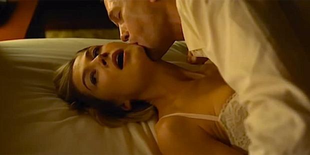 5 cảnh nóng đứt đoạn siêu máu me ở phim kinh dị: Ám ảnh nhất là cô bé mọc răng cắn phăng mọi anh trai hư đốn! - Ảnh 2.