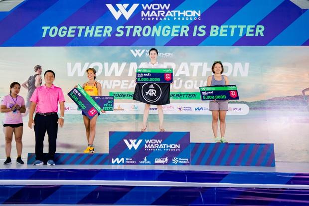MXH ngập tràn hình ảnh về giải chạy marathon và show âm nhạc dưới hoàng hôn hot nhất cuối tuần vừa qua - Ảnh 1.