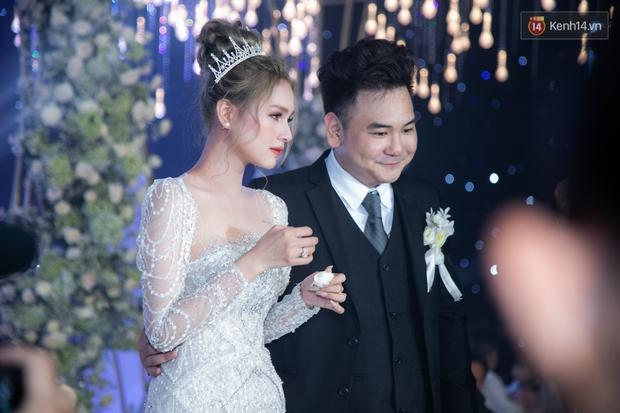 Vợ streamer giàu nhất Việt Nam đáp trả khi bị antifan chọc ngoáy: Đám cưới làm lố thì sớm chia tay - Ảnh 1.