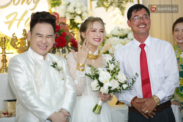 Vợ streamer giàu nhất Việt Nam đáp trả khi bị antifan chọc ngoáy: Đám cưới làm lố thì sớm chia tay - Ảnh 2.