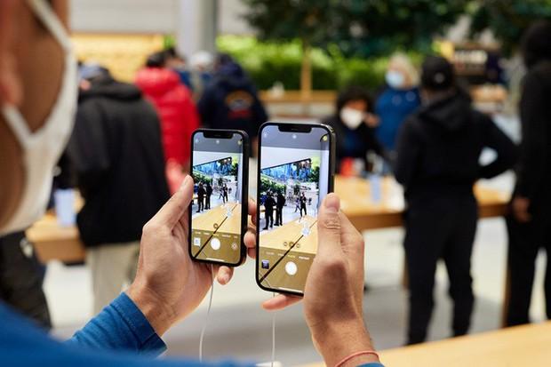 Thương gia Việt ghẻ lạnh iPhone 12 mini: iPhone 12 Pro Max bày bán tràn lan, iPhone 12 mini không một ai dám nhập - Ảnh 3.