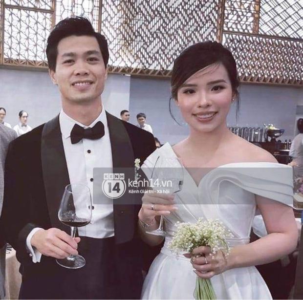 Vợ Công Phượng mặc váy cưới trơn nhẹ nhàng, cầm hoa cưới đắt đỏ khiến ai cũng liên tưởng ngay tới Song Hye Kyo - Ảnh 2.