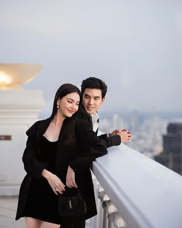 Nữ thần Thái Lan Mai Davika khoe ảnh kỷ niệm 4 năm hẹn hò, body lá lúa cùng đôi chân dài siêu thực chiếm spotlight - Ảnh 3.