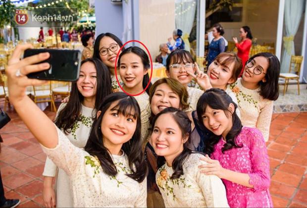 Đám rước dâu Công Phượng - Viên Minh: Cô dâu cực xinh, tay nắm chặt chú rể, dàn phù rể cầu thủ nô nức chuẩn bị tráp - Ảnh 12.