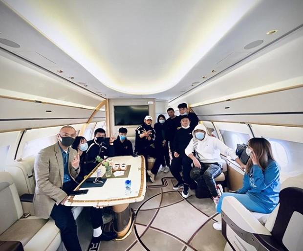 Dứt áo ra đi khỏi EXO, Hoàng Tử Thao giờ đây giàu tới mức nào: Sở hữu phi cơ riêng, đồng hồ, hàng hiệu đếm mỏi tay - Ảnh 3.