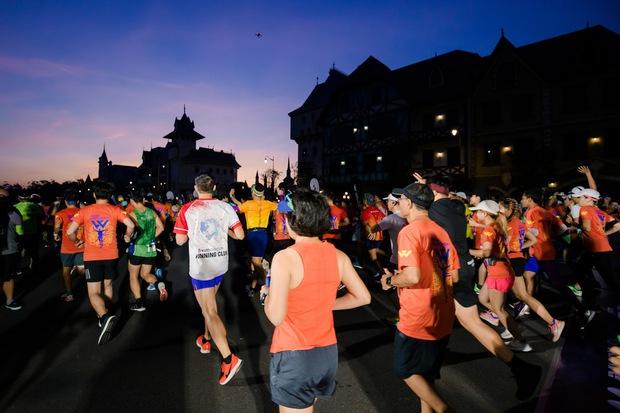 360 độ cùng WOW Marathon Vinpearl Phú Quốc 2020: Trải nghiệm cực cool với đường chạy tuyệt đẹp, kỳ nghỉ dưỡng thể thao trong mơ của mọi nhà đây rồi! - Ảnh 1.