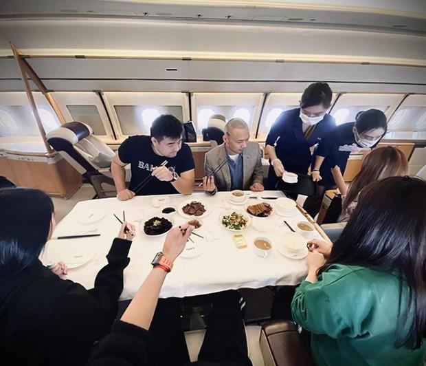 Dứt áo ra đi khỏi EXO, Hoàng Tử Thao giờ đây giàu tới mức nào: Sở hữu phi cơ riêng, đồng hồ, hàng hiệu đếm mỏi tay - Ảnh 4.