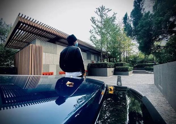 Dứt áo ra đi khỏi EXO, Hoàng Tử Thao giờ đây giàu tới mức nào: Sở hữu phi cơ riêng, đồng hồ, hàng hiệu đếm mỏi tay - Ảnh 19.