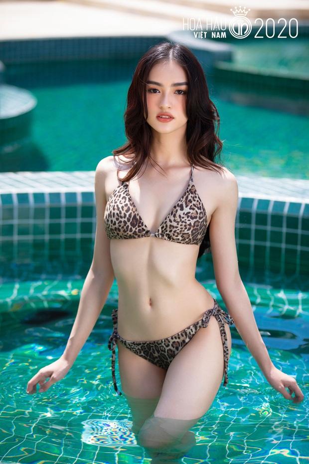 Đứng ngồi không yên bộ ảnh bikini của top 35 HHVN 2020: Thí sinh là nữ tiếp viên hàng không cực bốc lửa, top 5 Người đẹp biển liệu có kém cạnh? - Ảnh 4.