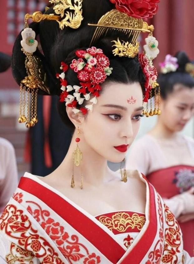 Sao nữ từ làm nền hoá bà hoàng: A hoàn Dương Mịch và Phạm Băng Băng đổi đời, nữ phụ Vườn Sao Băng cưới ông hoàng giải trí - Ảnh 15.