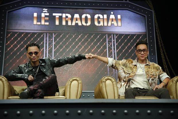 JustaTee hờn dỗi khi Rhymastic diss Torai9 cực máu chiến, không còn vẻ dễ thương tình cảm lúc cùng ngồi ghế Giám khảo Rap Việt - Ảnh 4.