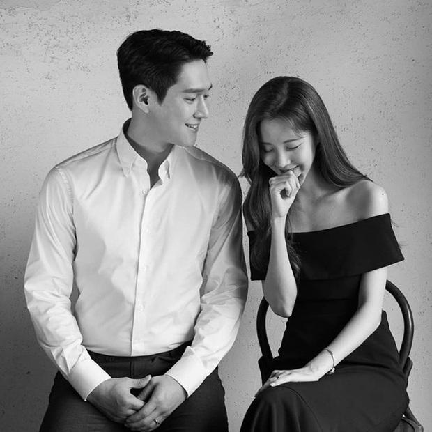 6 cảnh hậu trường ngọt lụi tim của Seohyun - Go Kyung Pyo: Cứ nghĩ tới màn hôn ép tường mà khoái á! - Ảnh 2.