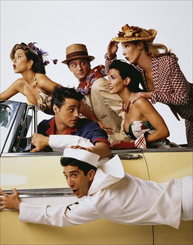 Dàn cast Friends huyền thoại tái ngộ sau 16 năm: Hứa sẽ đến dự đông đủ, ngồi vài phút mà ôm 70 tỷ mỗi người - Ảnh 4.