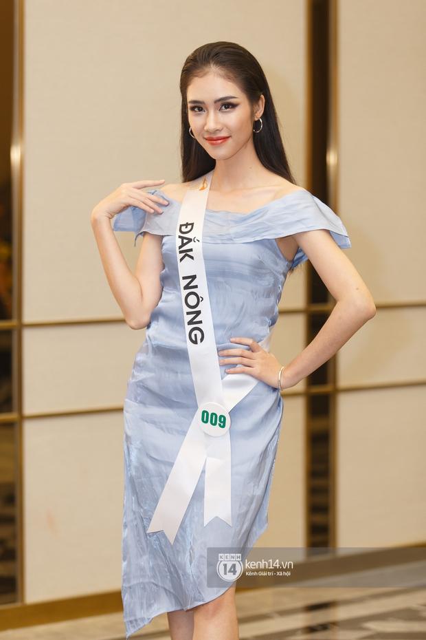 Ngọc Duyên tái xuất hậu tin đồn ly hôn chồng tỷ phú, Hoa hậu Khánh Ngân cùng dàn thí sinh đọ sắc cực căng tại Miss Tourism Vietnam 2020 - Ảnh 7.