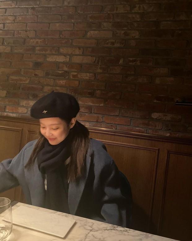 """Nghi Jennie (BLACKPINK) lộ """"hint"""" tình bạn với Jessica, netizen thắc mắc mối quan hệ rắc rối liên quan đến Kai - Krystal - Ảnh 5."""