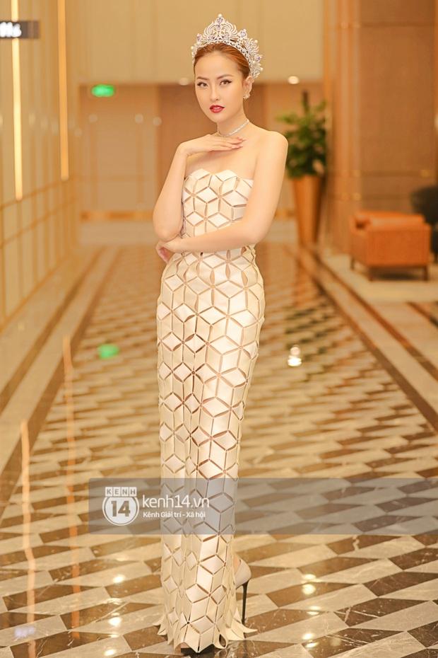 Ngọc Duyên tái xuất hậu tin đồn ly hôn chồng tỷ phú, Hoa hậu Khánh Ngân cùng dàn thí sinh đọ sắc cực căng tại Miss Tourism Vietnam 2020 - Ảnh 4.