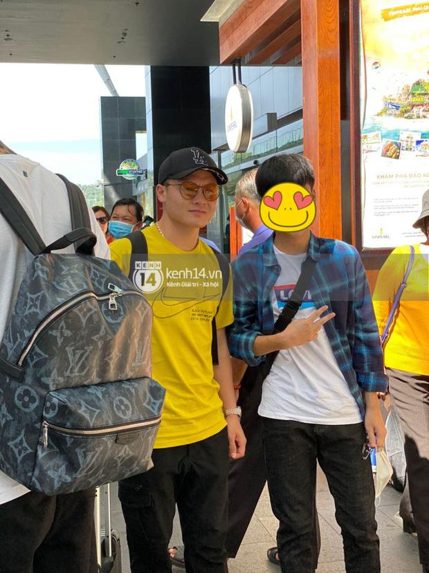 Quang Hải rạng rỡ sau scandal bị cắm sừng, đã cùng đồng đội ở Phú Quốc ăn cưới Công Phượng - Ảnh 3.