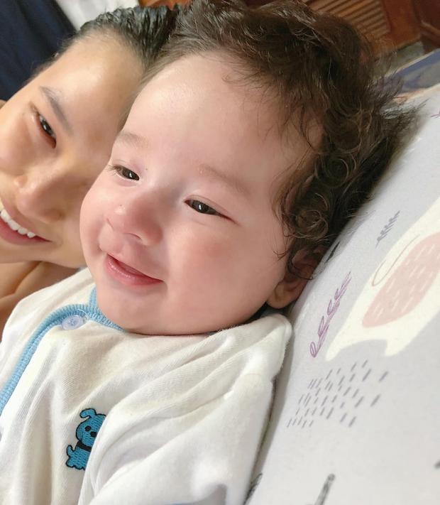 Hoàng Oanh tiết lộ đặc điểm trùng khớp của bé Max với Karik ở đêm Chung kết Rap Việt, tiện nhận luôn thầy cho con trai? - Ảnh 3.