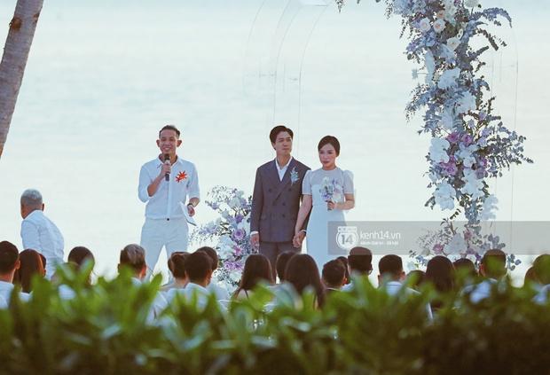 Bộ ảnh hôn lễ đẹp nức nở của Công Phượng - Viên Minh tại Phú Quốc: Nụ cười vỡ òa, cái nắm tay thật hơn bất cứ câu chuyện ngôn tình nào! - Ảnh 3.