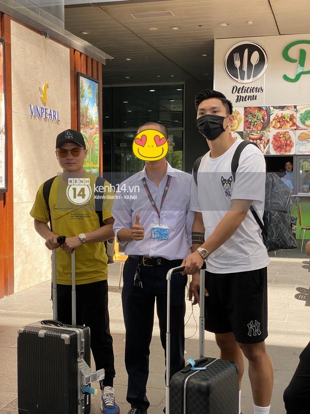 Hot hơn cả thời tiết Phú Quốc là khoảnh khắc bộ 3 sát gái Quang Hải - Văn Hậu - Văn Thanh hội tụ trong một khung hình! - Ảnh 5.