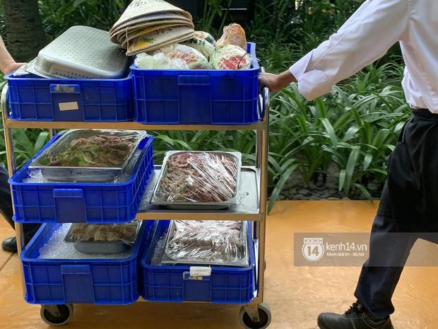 Lộ diện công đoạn chuẩn bị tiệc cưới Công Phượng - Viên Minh tại Phú Quốc, dự kiến toàn các món cầu kỳ - Ảnh 4.