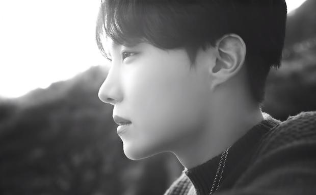 Teaser MV thứ 2 của BTS toàn ảnh đen trắng khác hẳn teaser 1, nhưng sao cả nhóm nhìn buồn thế này? - Ảnh 4.