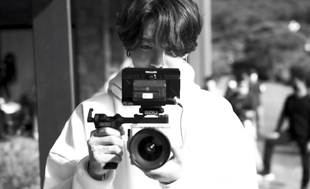 Teaser MV thứ 2 của BTS toàn ảnh đen trắng khác hẳn teaser 1, nhưng sao cả nhóm nhìn buồn thế này? - Ảnh 9.