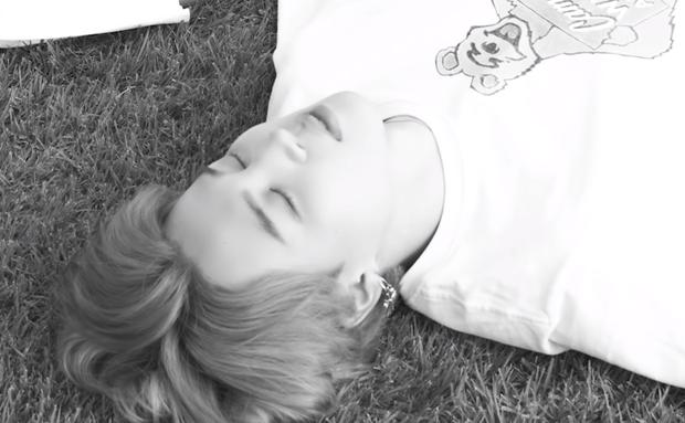 Teaser MV thứ 2 của BTS toàn ảnh đen trắng khác hẳn teaser 1, nhưng sao cả nhóm nhìn buồn thế này? - Ảnh 6.
