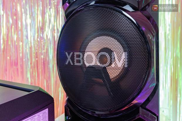 Trải nghiệm loa Bluetooth LG XBOOM RN5/ RN7: Nhìn ngoại hình cứ tưởng loa kẹo kéo, nhưng bên trong là hồn cốt Rap Việt - Ảnh 4.