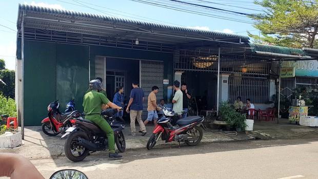 Lâm Đồng: Mẹ trầm cảm dìm chết con trai 9 tháng tuổi trong xô nước ở phòng tắm - Ảnh 1.