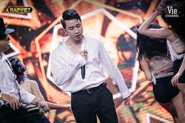 Sân khấu kết hợp giám khảo Rap Việt: Dàn sao quá trưng trổ, thí sinh càng dễ bay màu - Ảnh 5.