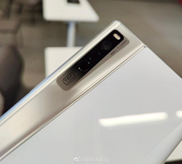 OPPO ra mắt X 2021: Smartphone với màn hình có thể cuộn lại đầu tiên trên thế giới - Ảnh 9.