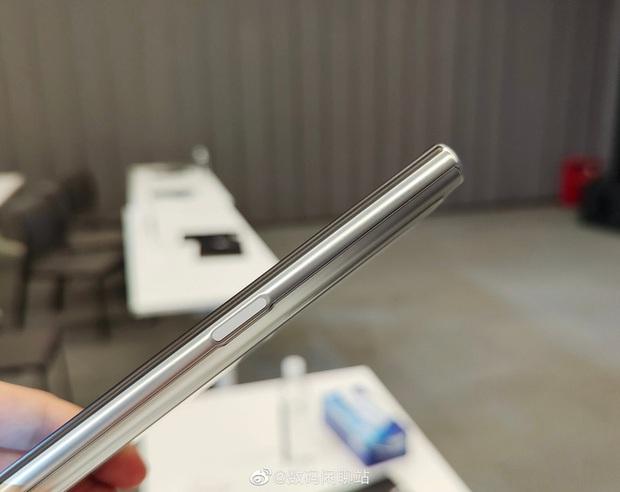 OPPO ra mắt X 2021: Smartphone với màn hình có thể cuộn lại đầu tiên trên thế giới - Ảnh 10.