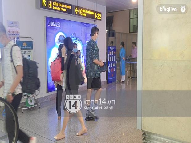 Công Phượng - Viên Minh tươi rói tại sân bay Phú Quốc, quân đoàn cầu thủ đã về tới khách sạn chuẩn bị cho hôn lễ - Ảnh 25.