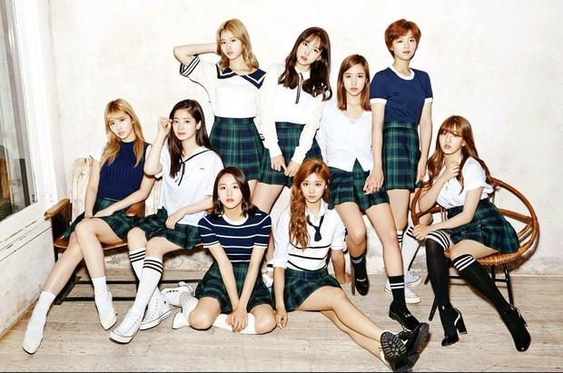 Knet khẳng định aespa không thể so sánh với TWICE và BLACKPINK, vừa debut đã là idol hạng A vì xinh đẹp lại còn khuấy đảo BXH - Ảnh 9.
