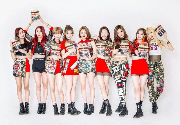 Knet khẳng định aespa không thể so sánh với TWICE và BLACKPINK, vừa debut đã là idol hạng A vì xinh đẹp lại còn khuấy đảo BXH - Ảnh 1.