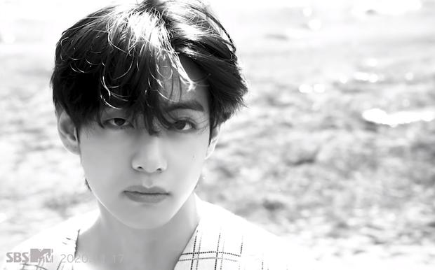 Teaser MV thứ 2 của BTS toàn ảnh đen trắng khác hẳn teaser 1, nhưng sao cả nhóm nhìn buồn thế này? - Ảnh 3.