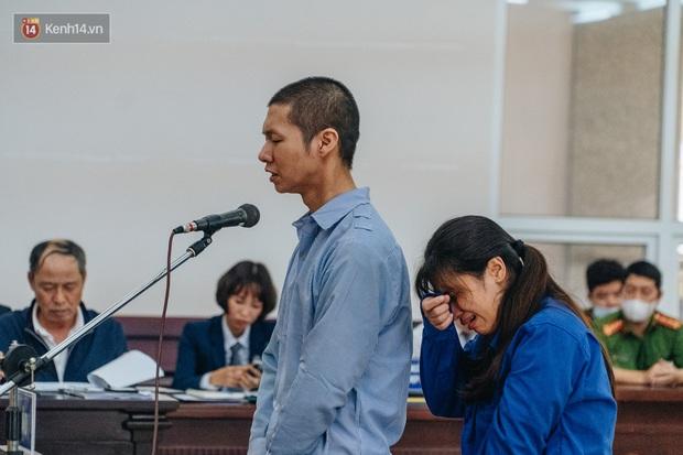 Toàn cảnh phiên tòa nhiều nước mắt vụ án mẹ đẻ và bố dượng bạo hành con gái 3 tuổi đến chết - Ảnh 8.