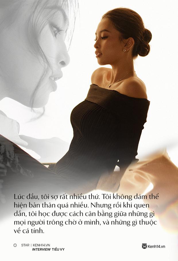 Hoa hậu Tiểu Vy: Tôi vẫn phải đối mặt với những lời phán xét, cũng khóc, cũng buồn, nhưng cuối cùng mình cũng tìm cách bước qua - Ảnh 4.