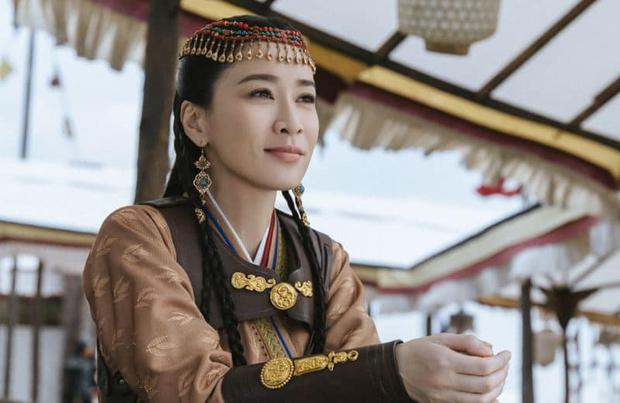 Mới nghe đồn Xa Thi Mạn về lại với TVB, fan đã rớt nước mắt: Chị phải đóng Bằng Chứng Thép 5 đấy nhá! - Ảnh 1.