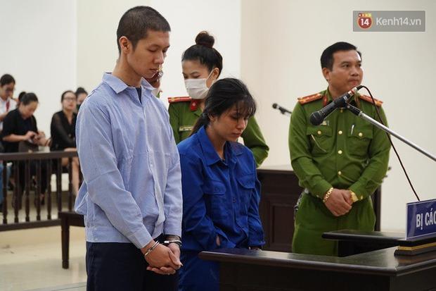 Nữ bị cáo bạo hành con 3 tuổi đến chết quỳ sụp xuống đất, cầu mong mẹ xin giảm án cho chồng: Chẳng còn ý nghĩa gì nữa khi chồng con chết - Ảnh 1.