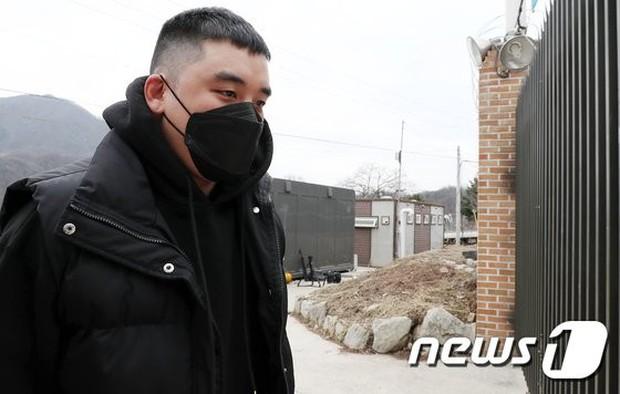 Xuất hiện nhân chứng lật kèo lời khai, thay đổi thế trận có lợi cho Seungri (BIGBANG) trước cáo buộc môi giới mại dâm - Ảnh 2.