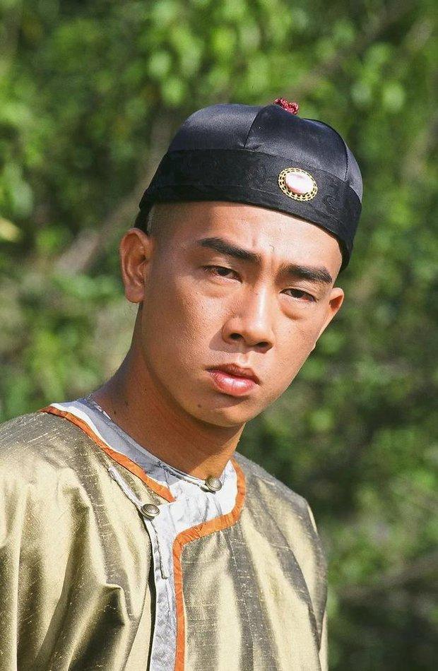 6 chàng Vi Tiểu Bảo của Cbiz: Huỳnh Hiểu Minh đen tình đỏ nghiệp, Châu Tinh Trì nợ đầm đìa, bạn thân Dương Tử bị chê nhất - Ảnh 22.