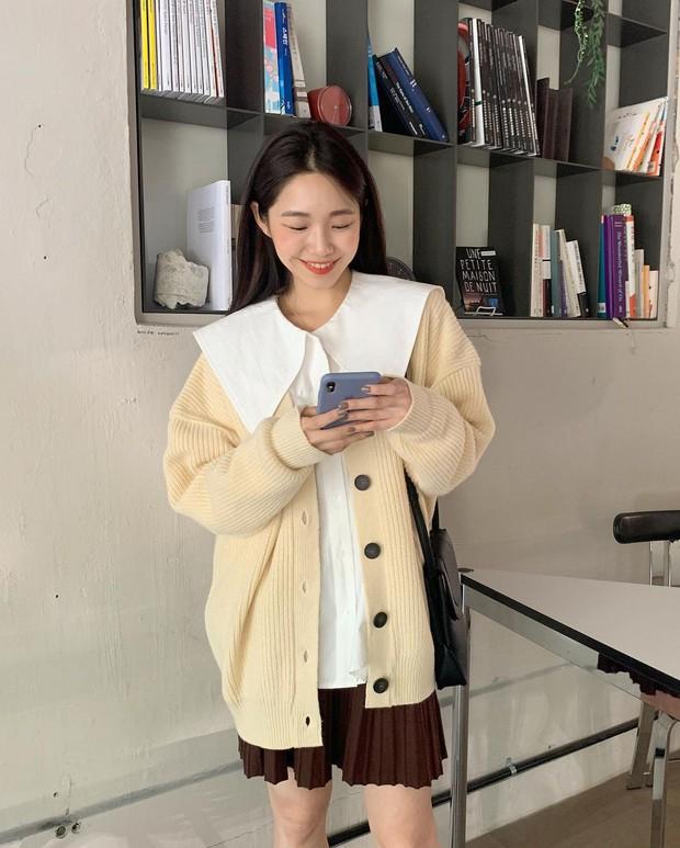 Những chiếc áo bánh bèo đang chiếm sóng Instagram sao Việt dạo này, nhìn rườm rà vậy thôi chứ dễ mix đồ lắm - Ảnh 11.