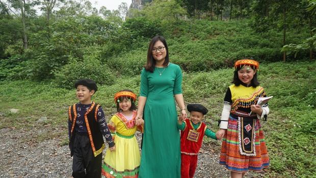 Cô giáo Việt Nam đầu tiên vào top 10 giáo viên toàn cầu: Tôi có niềm tin kỳ lạ vào khả năng ngôn ngữ của học sinh miền núi - Ảnh 8.