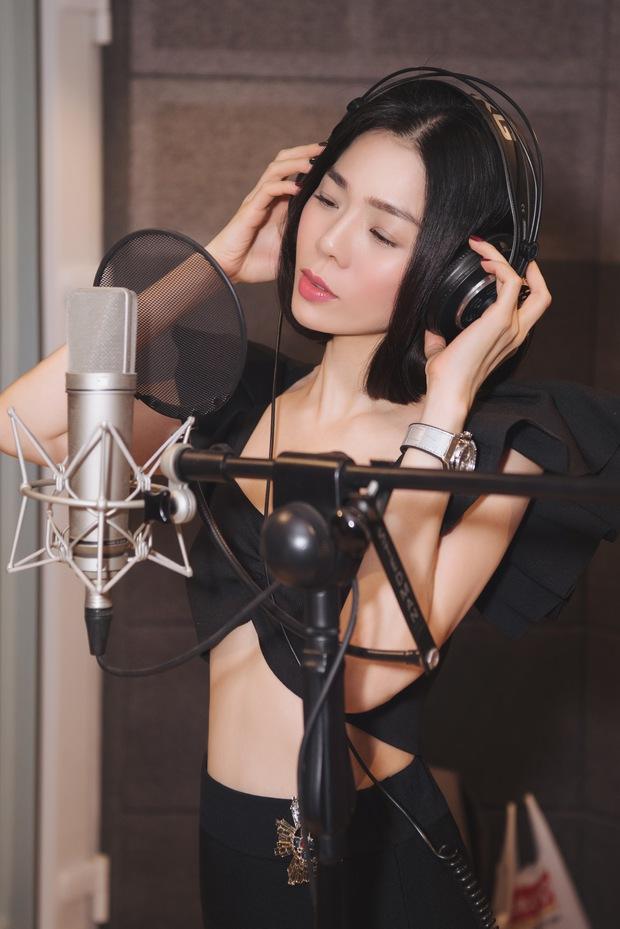 Lệ Quyên thu âm ca khúc mới hậu ly hôn, Vũ Cát Tường tung E.P Một Triệu Năm Ánh Sáng, Phúc Bồ debut ban nhạc sau 5 năm ấp ủ - Ảnh 4.