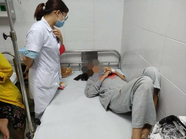Vụ nữ sinh bị bạn đánh hội đồng ở Thanh Hóa: Nỗi đau xót của mẹ nạn nhân - Ảnh 2.