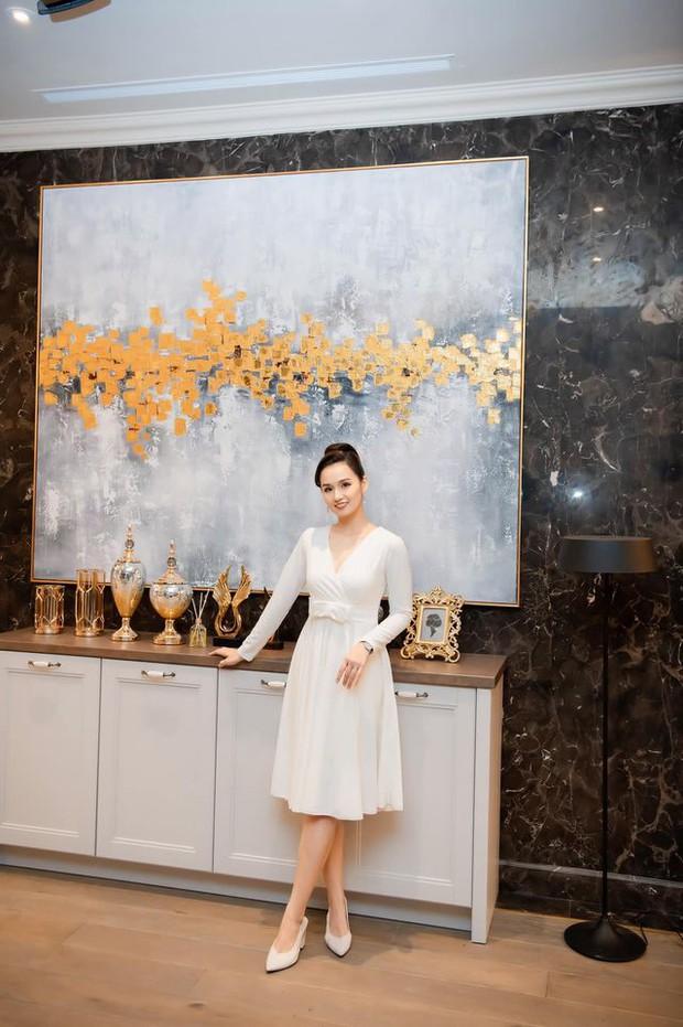 Mãn nhãn không gian biệt thự bạc tỷ của Lã Thanh Huyền: Rộng hàng trăm m2, sang như khách sạn, sân vườn chiếm spotlight - Ảnh 4.