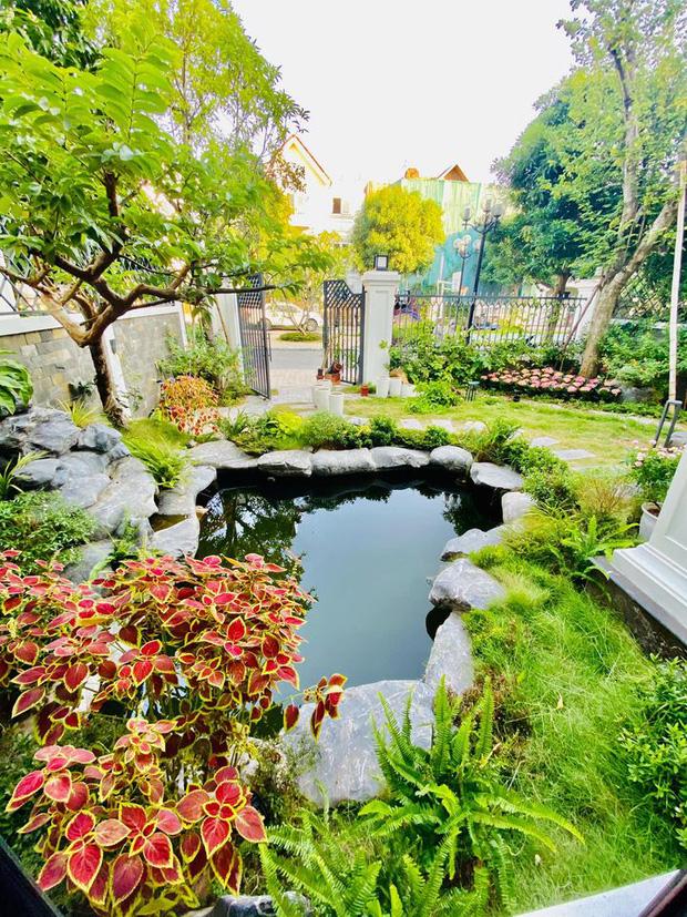 Mãn nhãn không gian biệt thự bạc tỷ của Lã Thanh Huyền: Rộng hàng trăm m2, sang như khách sạn, sân vườn chiếm spotlight - Ảnh 11.